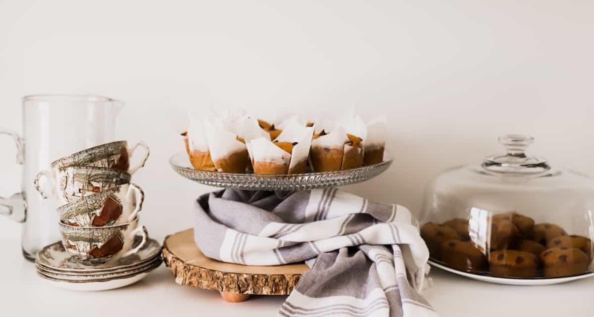 Easy Pumpkin Chocolate Chip Muffins