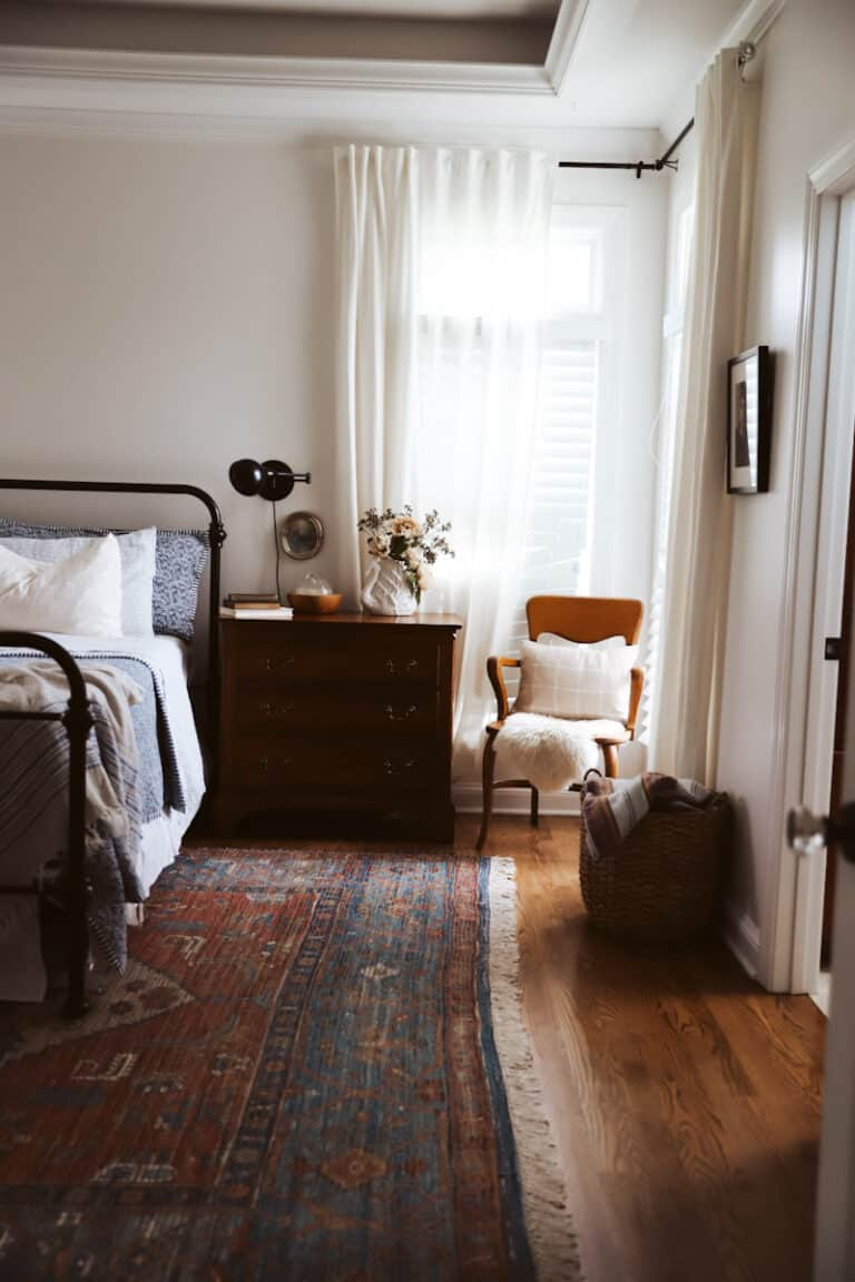 How to get a Cozy Minimalist Bedroom