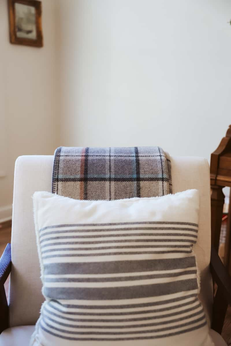 blankets and pillows for cozy