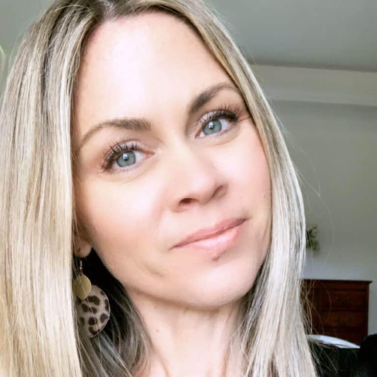 How I Treated My Acne Naturally
