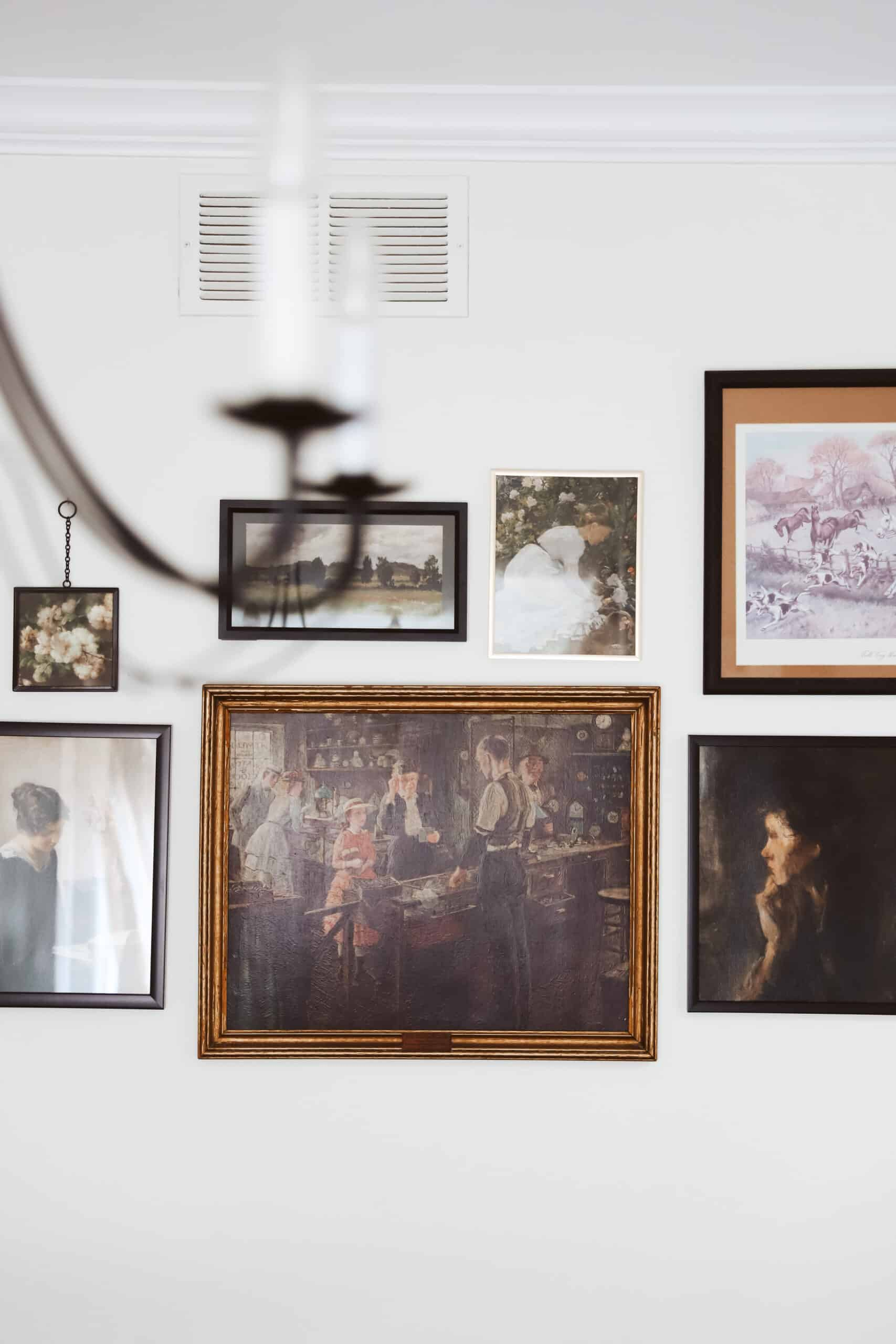How to Make a Gallery Wall with Vintage Art
